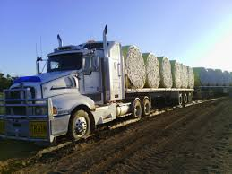 latest kenworth trucks pulling out a bogged kenworth truck road train youtube