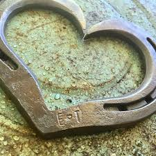 horseshoe wedding gift custom initialed horseshoe hearts hammeredforge