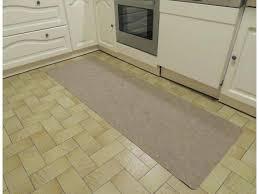 grand tapis de cuisine tapis pour cuisine beautiful tapis de cuisine gris grand tapis de