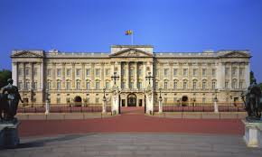 How Many Bathrooms In Buckingham Palace by 16 Expensive Things Owned By Her Majesty Queen Elizabeth Ii