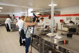 les ecoles de cuisine en une vidéo sur l école de cuisine et pâtisserie gastronomicom