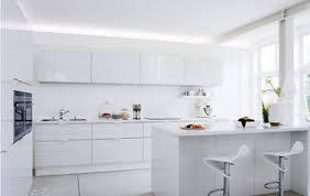 modele de cuisine blanche beeindruckend modele cuisine blanche de et grise laqu e