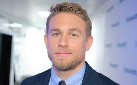 how to get thecharlie hunnam haircut why charlie hunnam won t leave home without an egg salad sandwich