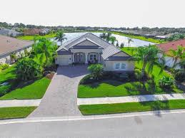 Florida Landscaping Ideas For Front Of House by 19875 Cobblestone Cir Venice Fl 34292 Mls N5911188 Coldwell