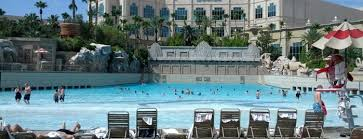 the 15 best places with a swimming pool in las vegas
