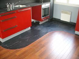 sol stratifié pour cuisine parquet dans cuisine ma cuisine agrandir du vinyle au sol pour