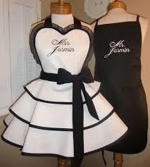 personalized bridal shower gifts mr and mrs custom bridal aprons bridal shower gift