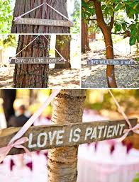 easy to make these wedding signs old fence boards stencils