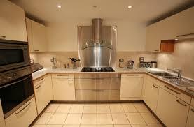 cuisine en forme de l cuisine l espace cuisine carrée aménagé sur cuisine espace com
