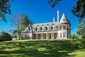great gatsby house for sale for 17 million inside gatsby u0027s long