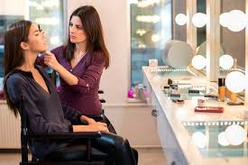 Become A Makeup Artist Do You Want Be A Theater And Performance Makeup Artist
