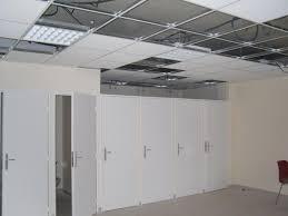 faux plafond bureau faux plafond non démontable isolation idées