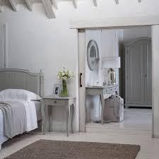 chambre style gustavien decoration style gustavien meuble gustavien gris plancher bois