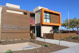 california homeless veterans move into apartment built from