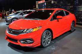 redesigned 2014 honda civic coupe with slightly more powerful si