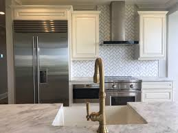 kitchen cabinets above sink 10 kitchen backsplashes that go above and beyond florida
