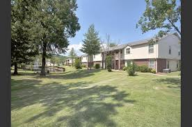3 Bedroom Apartments In Russellville Ar Shadow Lake Apartments 2601 A West 12th Russellville Ar Rentcafé