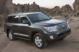 2015 toyota land cruiser 2015 toyota land cruiser reviews and rating motor trend