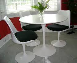 saarinen dining table charming ideas saarinen round dining table