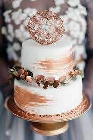 wedding cake greenery 15 trendy winter wedding cakes crazyforus