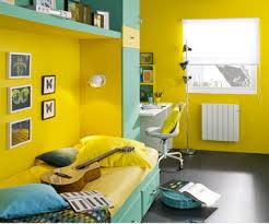 couleur de chambre ado décoration chambre ado peinture murale jaune serin et vert jade