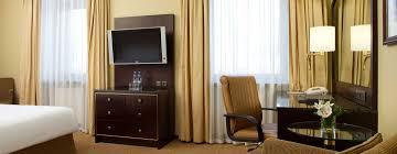 Schlafzimmer Bett Mit Erbau Hotels In Moskau U2013 Hilton Moscow Leningradskaya U2013 Russland