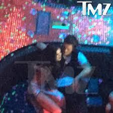 Light Night Club Selena Gomez Leaves Las Vegas Nightclub With Orlando Bloom Ny