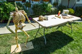 how to home u0026 family diy halloween graveyard skeletons