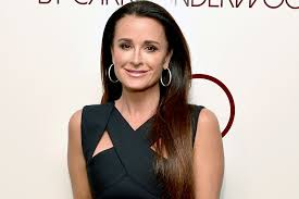 does kyle richards wear hair extensions the biggest beauty lesson kyle richards learned from watching