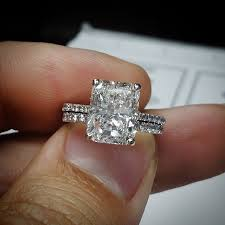 radiant cut engagement ring take a look at this absolutely stunning radiant cut diamond