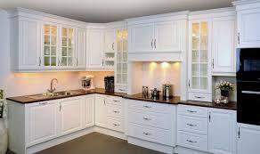 cuisine blanche classique modele de cuisine moderne 2013 idée de modèle de cuisine
