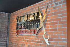 hair and body mechanix provides hair and skin services