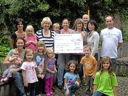 Feuerwehr Bad Wildbad Bad Wildbad Familientreff Karussell Freut Sich über Spende Bad