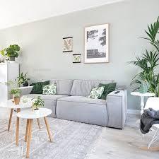 green livingroom best 25 living room green ideas on green lounge