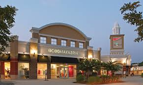 about queenstown premium outlets a shopping center in