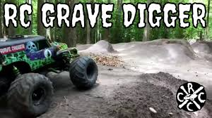 grave digger 30th anniversary monster truck toy rc grave digger monster truck big air bashing youtube
