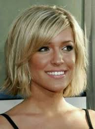nice hairstyle for short medium hair with one hair band 25 more short hairstyles medium hair haircuts and blondes