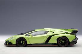 Green Lamborghini Aventador - autoart highly detailed die cast model green lamborghini veneno