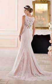 scalloped lace keyhole back wedding dress stella york