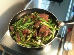 cuisiner du foie cuisiner du foie de boeuf aux poivrons recette foie de boeuf