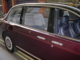 limousine bentley file 2002 bentley state limousine compartment jpg wikimedia commons