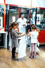stage cuisine toulouse cours cuisine toulouse les enfants mettent leur tablier avant le