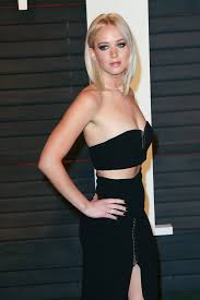 Jennifer Lawrence Vanity Fair Party Jennifer Lawrence Rocks A Crop Top To Vanity Fair Oscars After