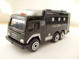 tomica mitsubishi fuso hti teamsterz mitsubishi fuso the great no2 police swat tr u2026 flickr