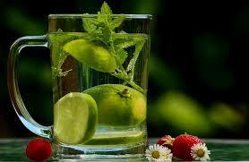 membuat infused water sendiri cara membuat infused water jeruk nipis agar tidak pahit berberita com