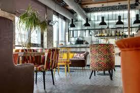 restaurant cuisine ouverte intérieur fantastique dans un style loft dans un restaurant mexicain