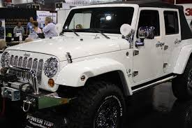 jeep rubicon white 4 door white jeep wrangler sema 2011 drivingscene
