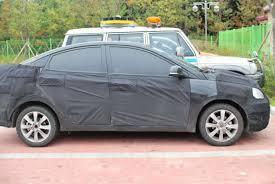 hyundai accent 2011 scoop hyundai accent sedan looks like a baby 2011 sonata