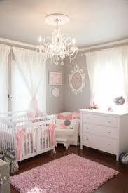description d une chambre de fille épinglé par m sur baby