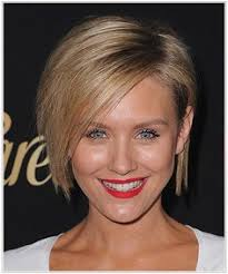 wendy malicks new shag haircut wendie malick short straight casual hairstyle wendie malick